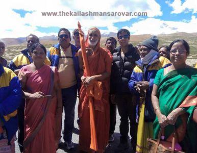 Kailash-mansarovar-group-photo